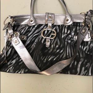 Super styling GUESS handbag